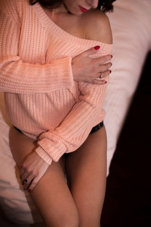 Ismahen bisexual escorts in Cimarron Hills