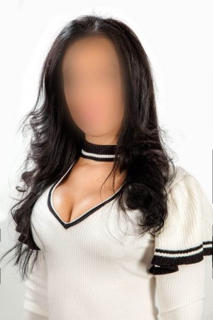 Vanina bisexual escorts in Hidalgo, TX
