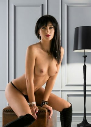 Hildegarde outcall escort Woodland Park, CO