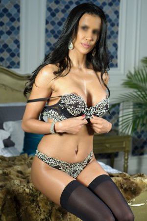Appolonia escorts in Lake Geneva